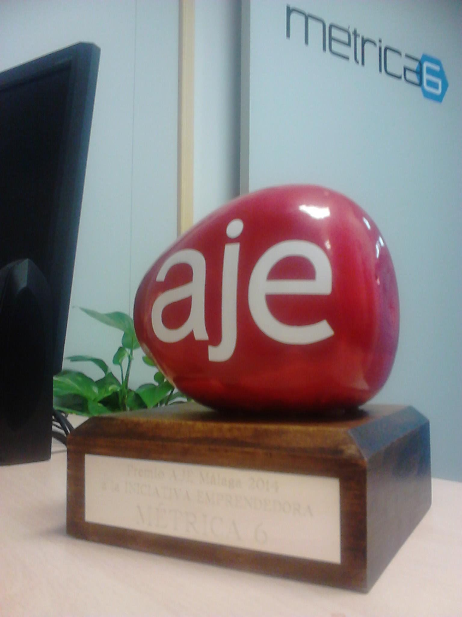 Métrica6 gana Premio AJE 2014. desarrollo de producto, ingeniería, Innovación, I+D+i